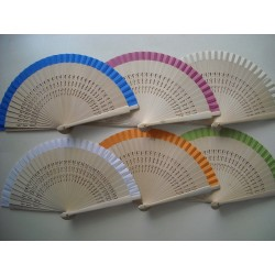Hand fans  662